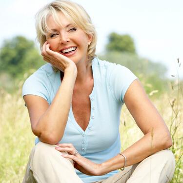Scottsdale Dentist - older lady smiling